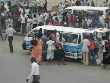 Bujumbura : Quand la carence des bus entrave la libre-circulation