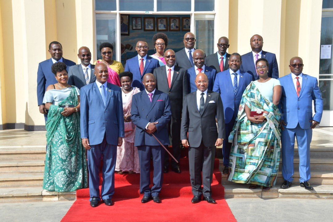 Resserrement de la taille du gouvernement Ndayishimiye  ou quand Mfashakumenya marque  un point